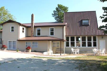 Farmhouse - Room 3 - Ste. Genevieve