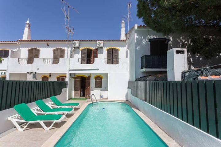Casa com piscina privada - Altura - Casa