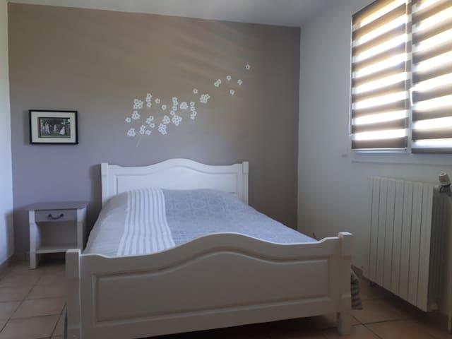 chambre 2 lit en 140