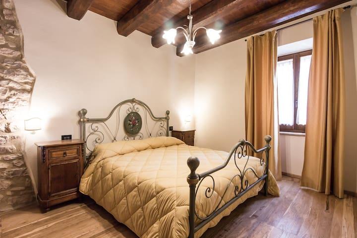 Appartamenti per 2/4 persone - Montecchio - Byt