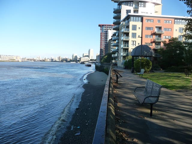 ...and cycle along the Thames path (the other way takes you to Tower Bridge and the centre of London)