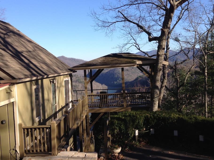 Tip of the dragon retreat cottages for rent in for Deals gap cabin rentals