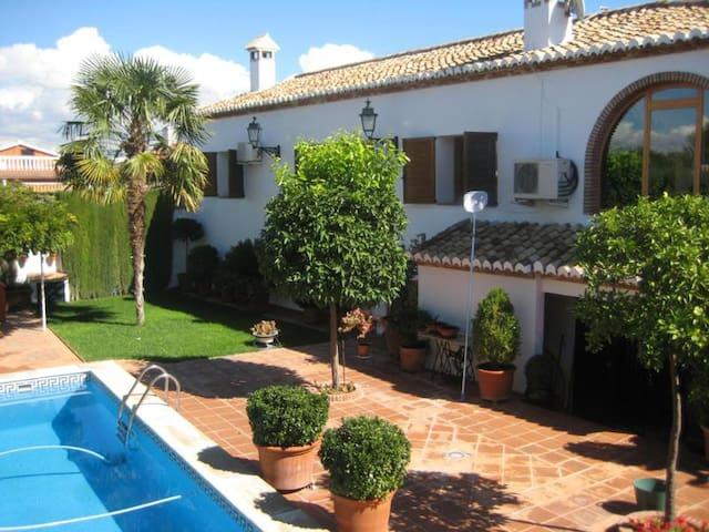 Chalet de lujo con piscina privada - Ogíjares - Ev