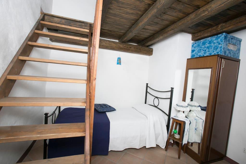 Casa 3 piani con parcheggio interno case in affitto a for 6 piani di casa con 4 bagni