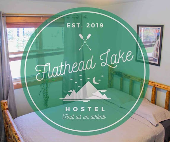 Flathead Lake Hostel - The Glacier Room