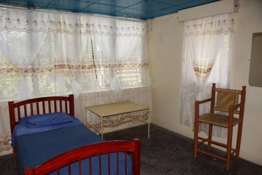 3 chambres a coucher (double ou simple)