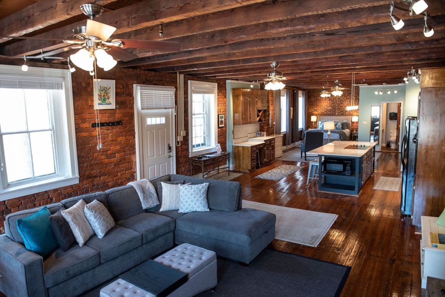 Historic and modern Cross Keys loft with open floor plan in downtown Lynchburg. Thomas Jefferson is said to have stayed here.