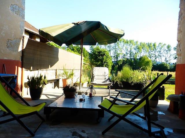 Maison de caractère dans le Bugey - Lavours - Villa