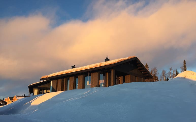 Leve hytte i Hafjell, Mosteråsen. - Oyer