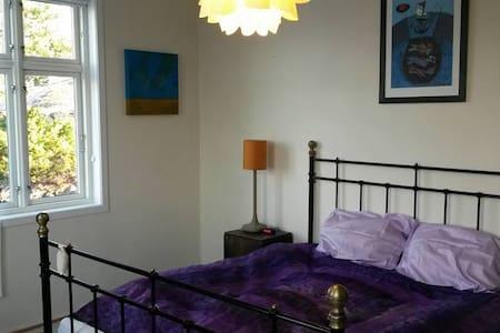 Tone's B&B Master bedroom - Straume