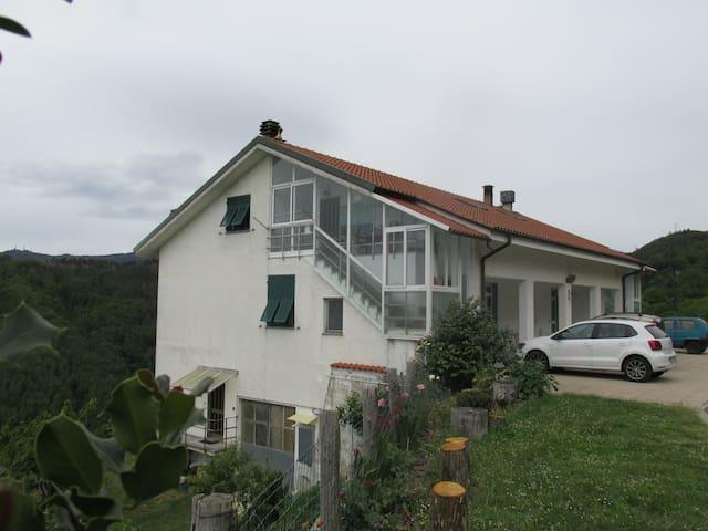 Cinqueterre santuario Cerreta - carro - อพาร์ทเมนท์