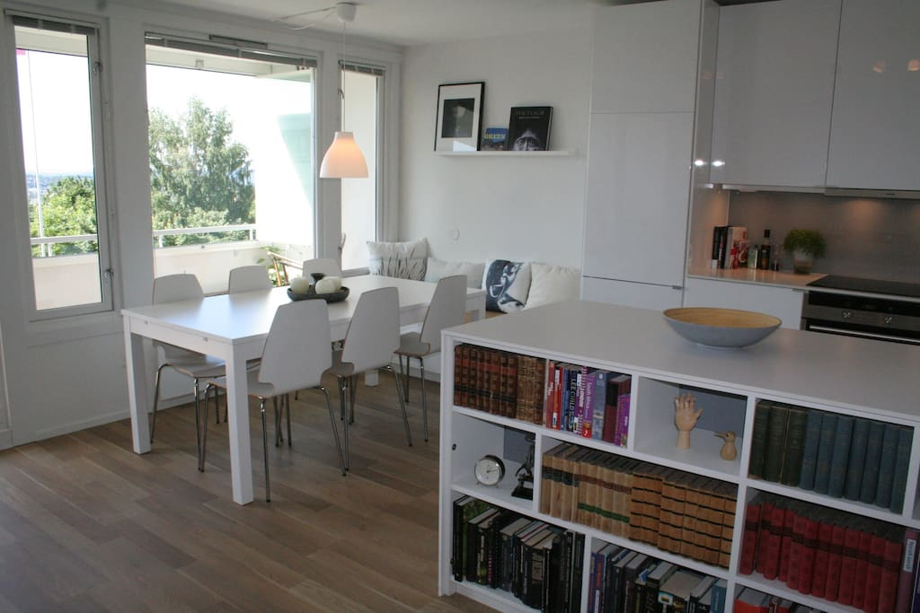 Dining area with a table that is extendable
