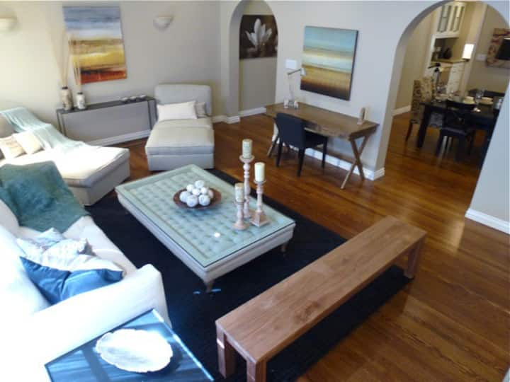 Spacious 2BR Condo with Deck in the Marina