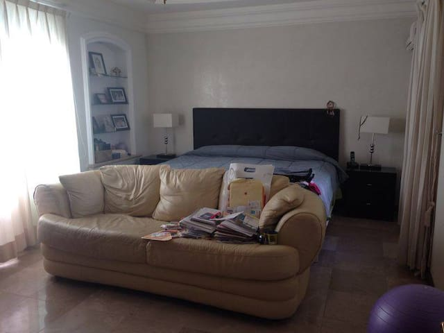 4 Bedroom House in Bugambilias