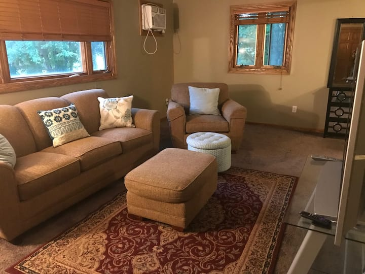 Updated and cozy 2-Bedroom in Rochester