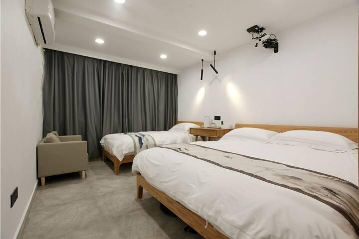 普陀山仁心之家•欢喜家庭房投影电视1.8米床和1米床
