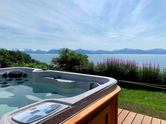 Canyon Cottage · Incredible view, Privacy & Private Hot Tub!