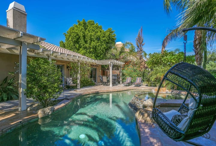Luxurious, dog-friendly home w/ a private pool, pool spa, and on-site golf!