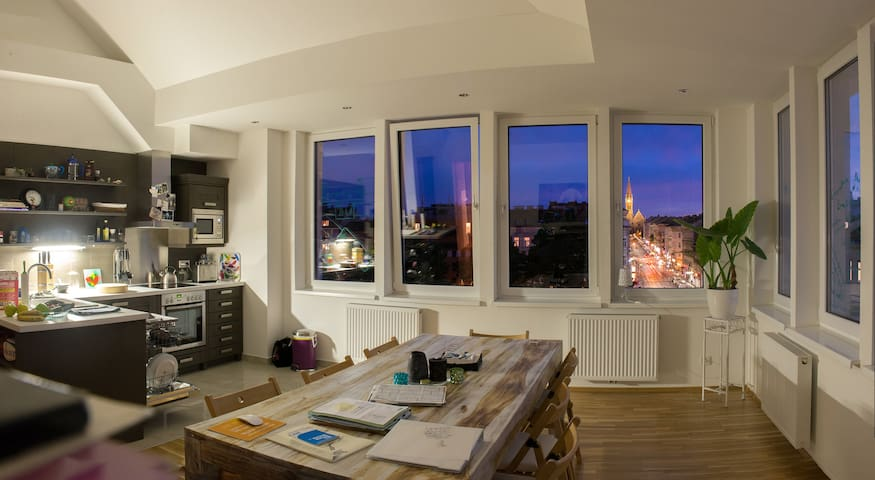 sharing Apartment top floor-central - Vienna - Leilighet