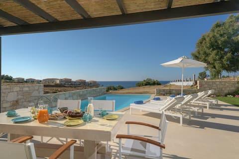 Lygaries, villa Louisa , by the sea, no car needed