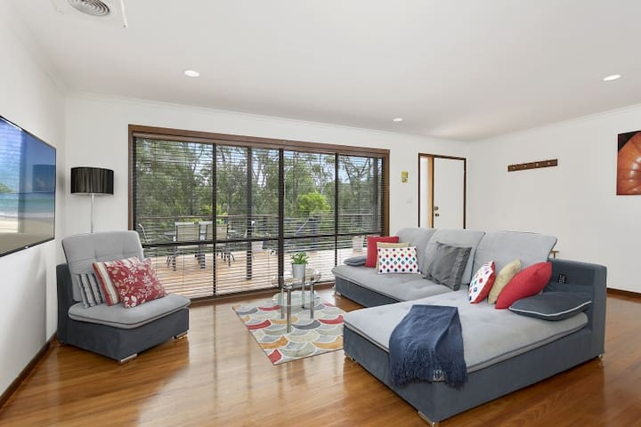 Serenity-Daylesford|S7|wood-fire|air-con|wifi|pets