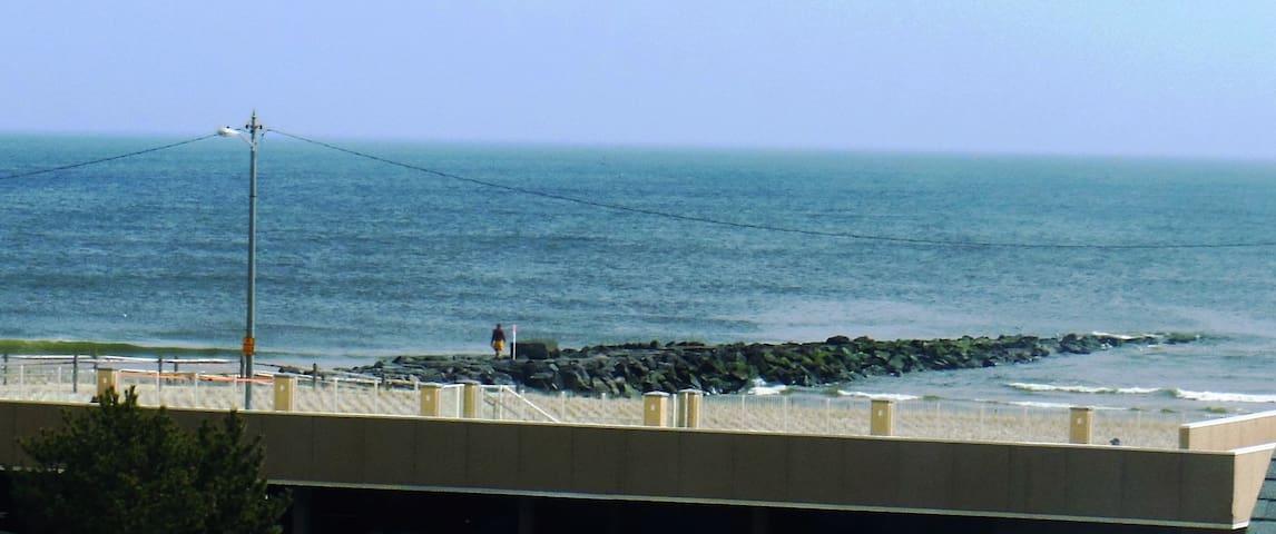 2 BDRM Condo at Beach & Boardwalk, Unit #7