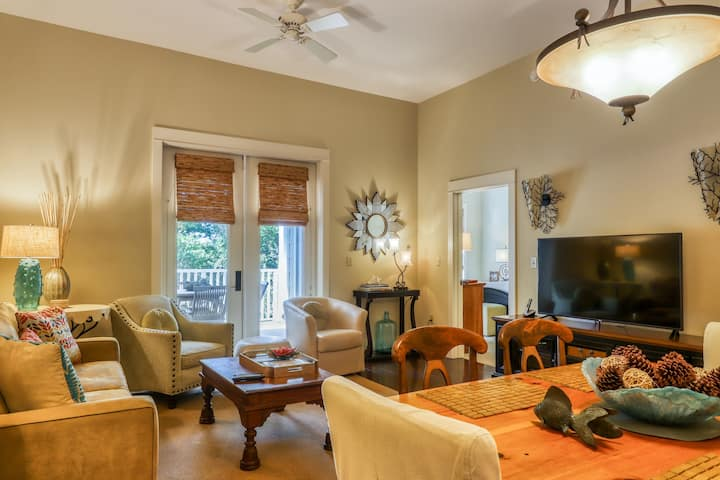 Beautiful condo w/ a furnished balcony, shared pools, & private beach access