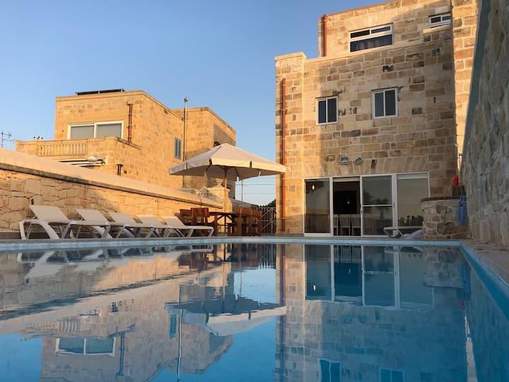 Villa Chossie-Beautiful villa with private pool