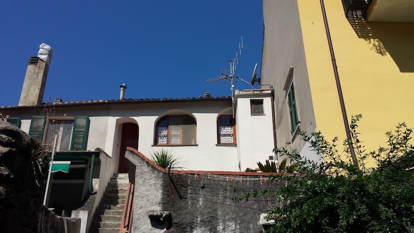 Finale Ligure entroterra - Bilocale - Orco Feglino - Apartamento