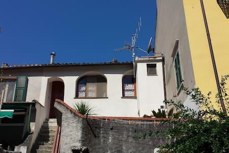 Finale Ligure entroterra - Bilocale - Orco Feglino - อพาร์ทเมนท์