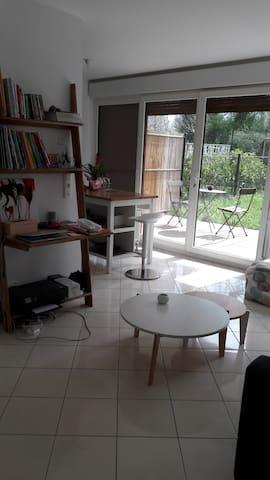 Beau studio de 30 m2 avec jardin !