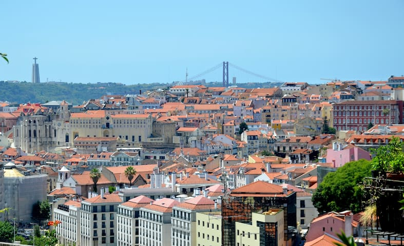 City views & Garden duplex @ Graça - Lisboa - Huis
