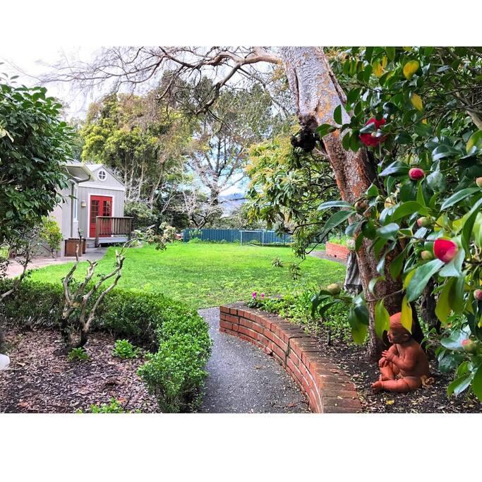 Back pathway to Garden Suite