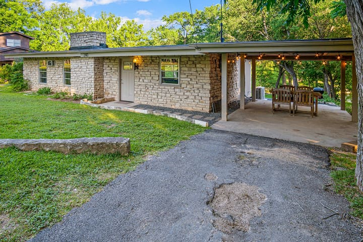 Stone River Cabin - Walking distance to Whitewater