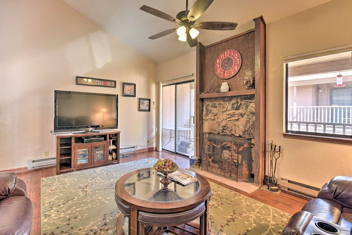 NEW! Cozy Angel Fire Townhome, 0.4 Mi to Mountain!