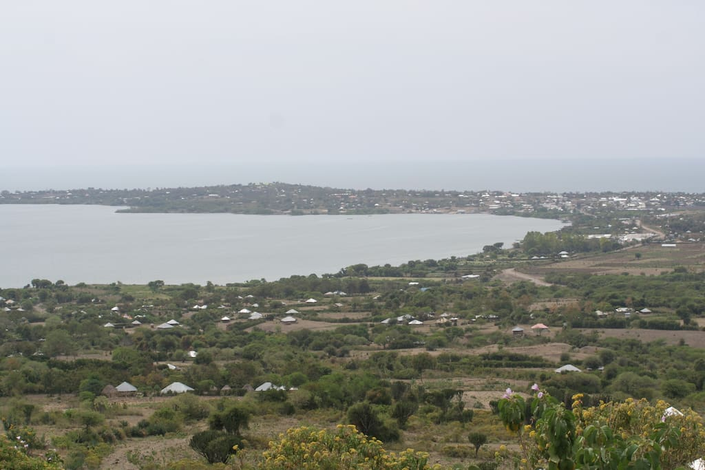 Would you like to spend your time here? The view over Nyandiwa peninsula - you will be seeing this when you arrive by car