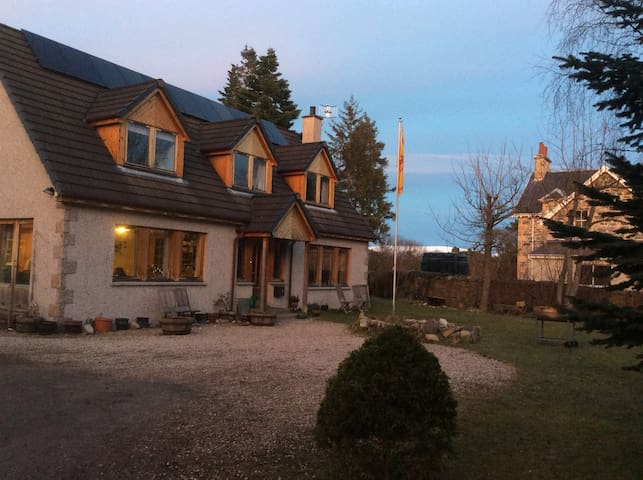 Hearthside, 1 private bedroom, breakfast included