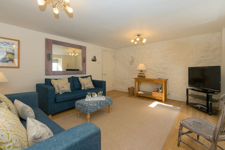 Benellies – St Ives – Central Location - Sleeps 4