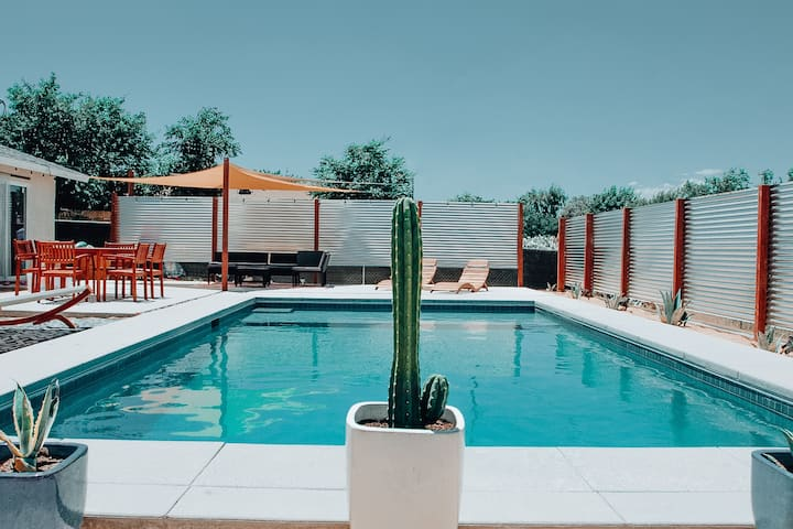 ~The Joshua Tree Pool House~