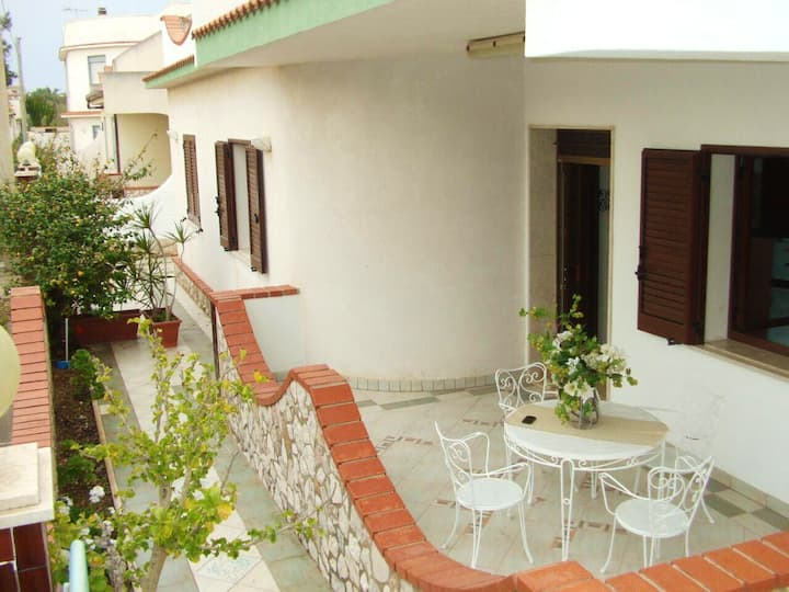 Apartment with 3 bedrooms in Mazara del Vallo, with enclosed garden and WiFi - 100 m from the beach