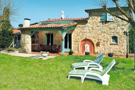 Holiday home in Gaillan-en-Medoc - Gaillan-en-Médoc - Talo