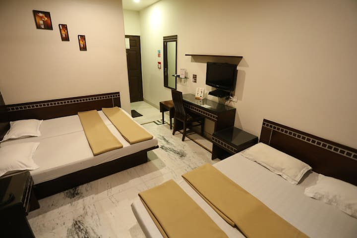 Family Room 4 Bed, Aircon, BF, Wifi