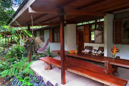Beautiful Guest House Cariblanco at Finca Isla - Aguas Zarcas - Hus