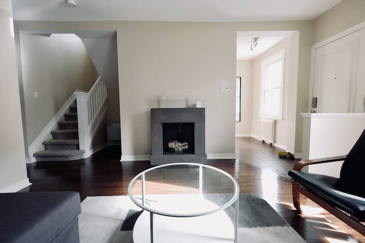 Charming Home in Trendy Westboro /10min DT