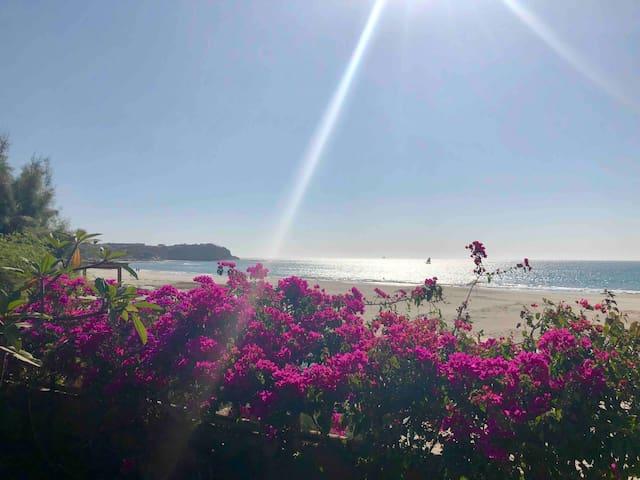 BUNGALOW PACIFICO, frente al mar en Punta Veleros.