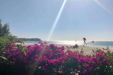 Bungalow Pacífico, frente al mar en Punta Veleros.