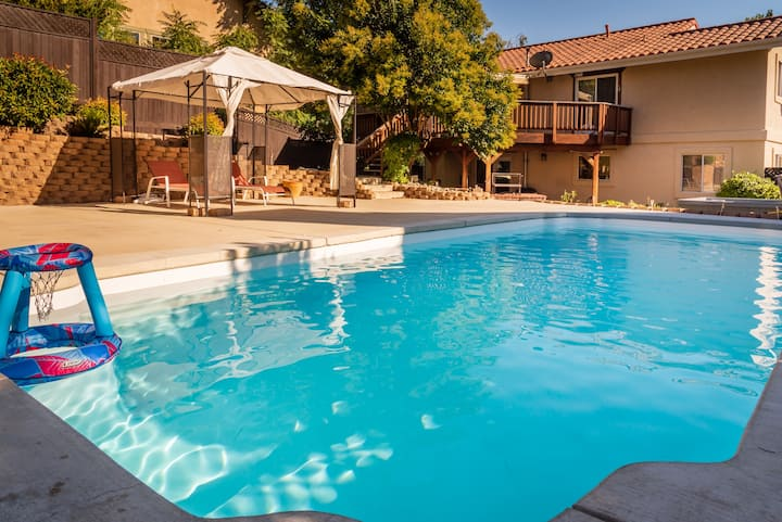 Peachtree Lane - Private Pool + Hot Tub