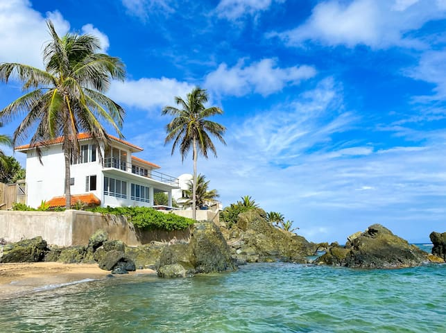 Oceanfront Villa: Privacy, Beach, Pool, A+Views