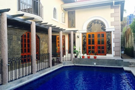 Casa Miguel, near airport w/ pool - Manille