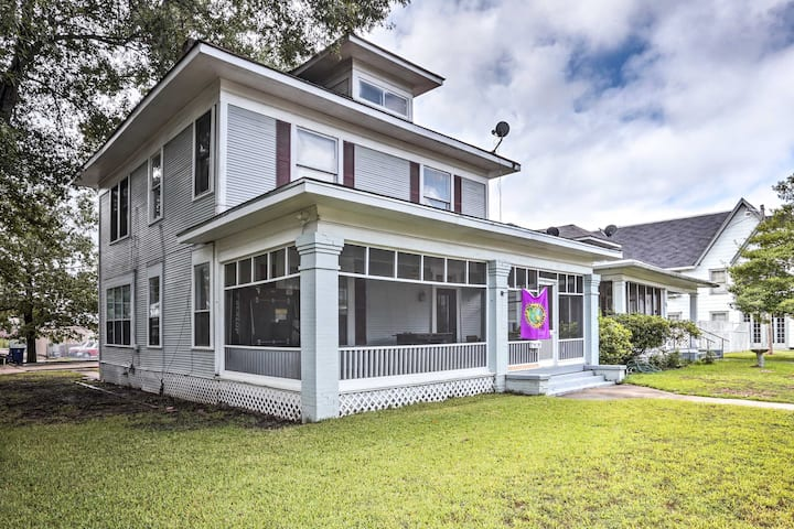 Charming Family Home w/Game Room, 3 Mi to Downtown